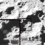 De la glace d'eau dans l'ombre de la Lune