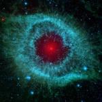 La Nébuleuse Hélix a une poussière dans l'oeil