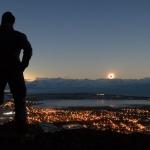 Eclipse au coucher du Soleil dans les Andes