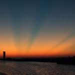 Rayons crépusculaires au-dessus du lac Michigan