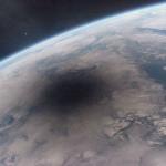 Regard vers la Terre lors d'une éclipse de Soleil