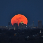 Lever de super Lune sur Boston