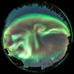 Intense activité aurorale sur Yellowknife