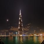 Nuit pauvre en étoiles sur Dubaï
