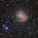 IC 10, galaxie à sursaut de formation d'étoiles