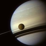À l'ombre des anneaux de Saturne