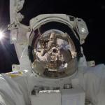 Autoportrait d%u2019astronaute en orbite