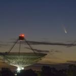 La comète PanSTARRS et l'antenne de Parkes