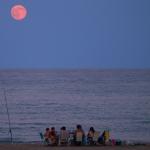 Lever de Lune sur une plage d'Espagne