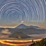Filé d'étoiles sur l'Indonésie