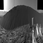 Une dune de sable noir sur Mars