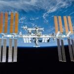 La Station spatiale internationale au-dessus de la Terre -