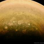 Nuages autour du pôle sud de Jupiter