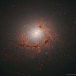 NGC 4696, des filaments autour d'un trou noir