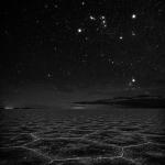 Le désert de sel d'Uyuni sous les étoiles