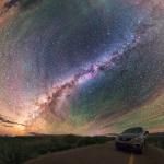 Des bandes luminescentes entourent la Voie Lactée