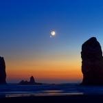 La Lune et Vénus au-dessus de Cannon Beach