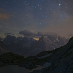 Eclipse de Lune et Mars au-dessus des Montagnes