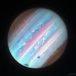 Jupiter en ultraviolet depuis Hubble