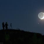 La colline, la Lune et Saturne