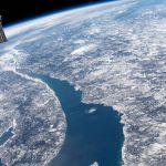 Le Saint Laurent et le cratère d'impact Manicouagan vus depuis l'espace
