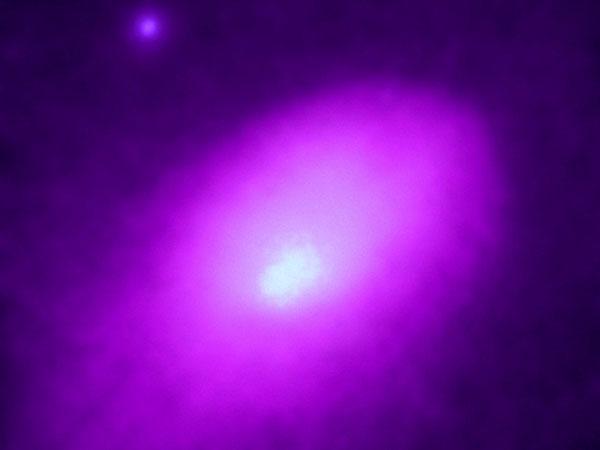 Abell 2142: conflit d\'amas galactiques