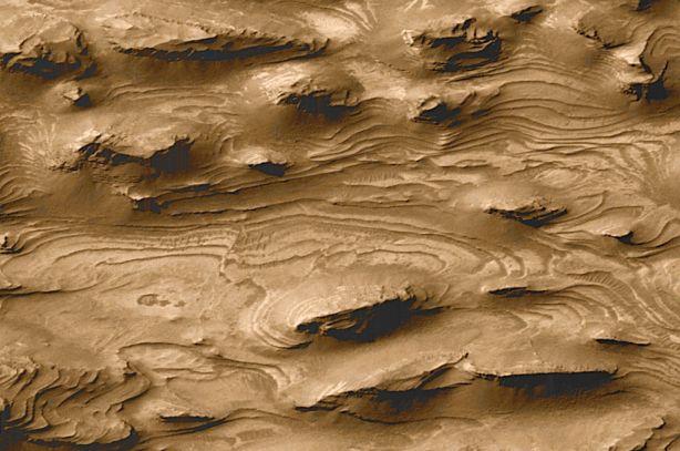 Mars stratifiée : un ancien Monde aquatique ?