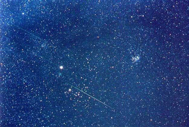 Un champ d\'étoiles des Léonides