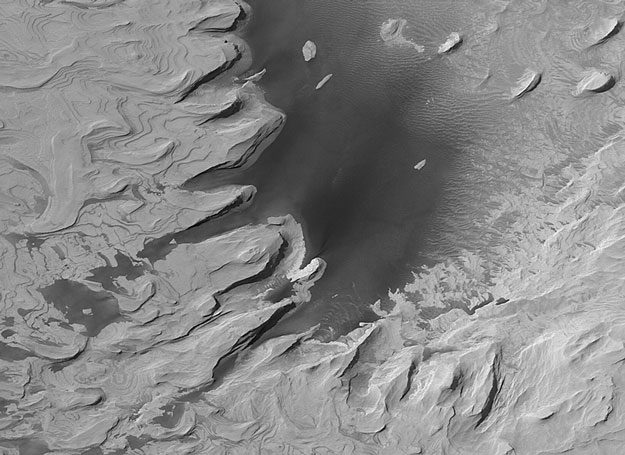 D\'anciennes strates rocheuses sur Mars