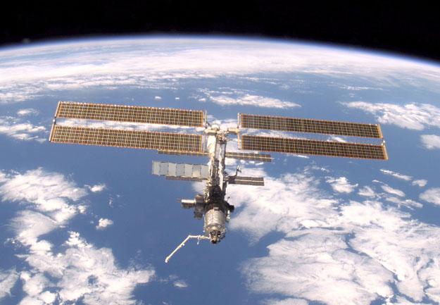 La station spatiale internationale au-dessus de la Terre
