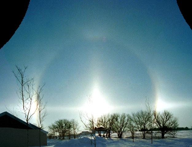 Un halo solaire au solstice d\'hiver