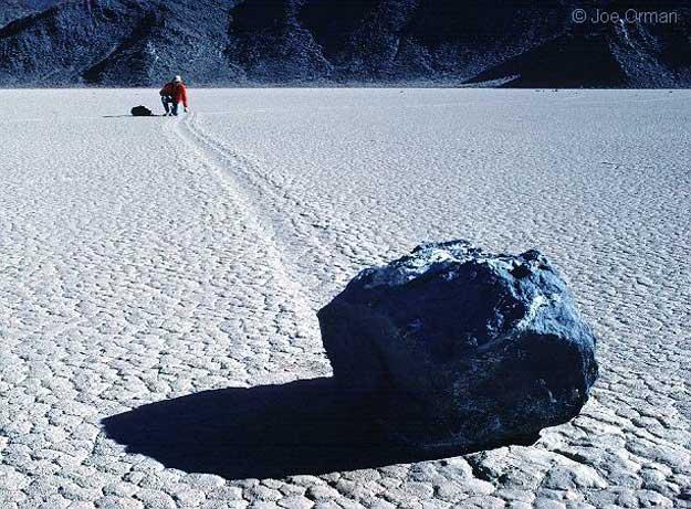 D\'étranges rochers dans la Vallée de la Mort