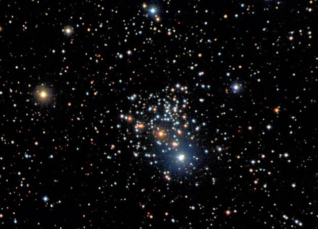 NGC 2266: Un vieil amas dans le New General Catalog