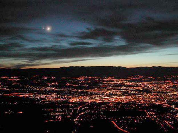 La Lune et Vénus au-dessus de Genève