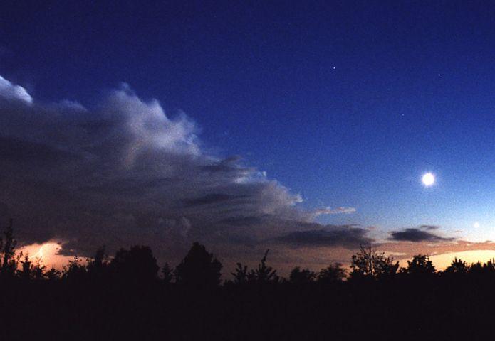 Le ciel s\'éclaircit