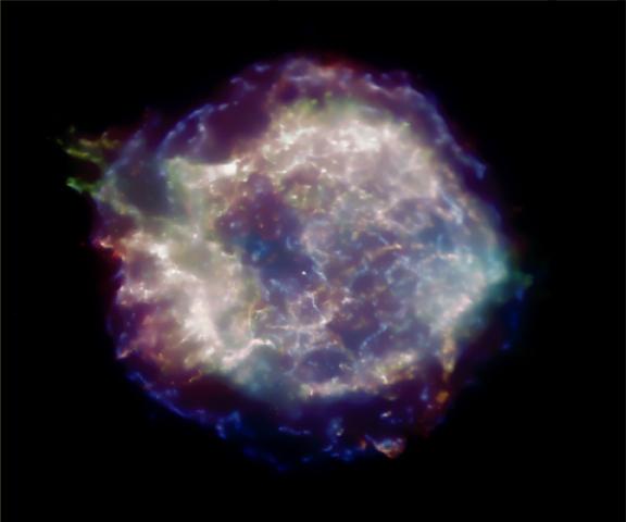 Le rémanent de supernova CasA en rayons-X