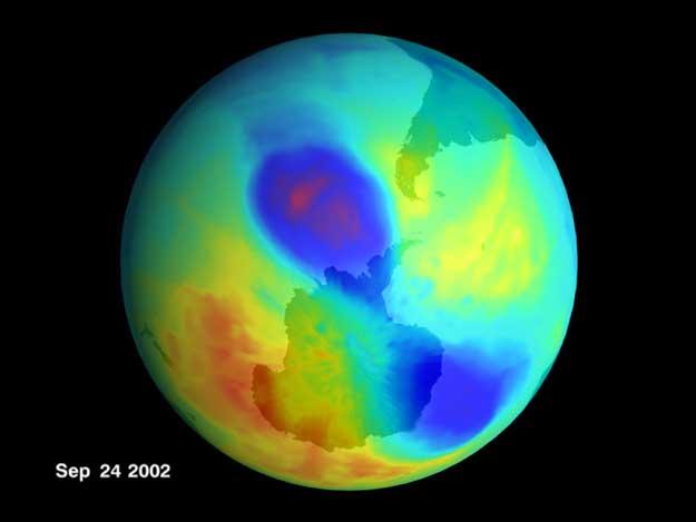 Un petit trou d\'ozone double en 2002