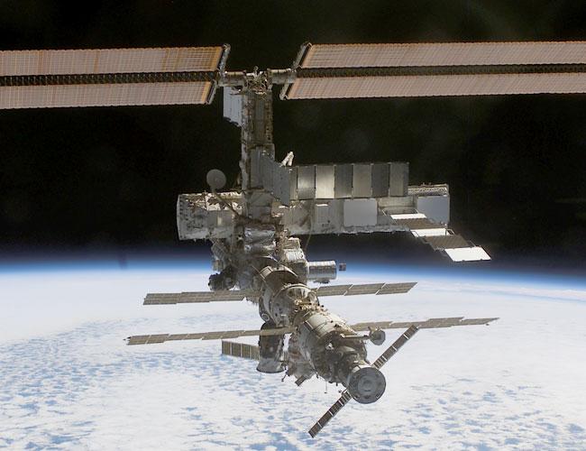 La station spatiale internationale s\'agrandit encore
