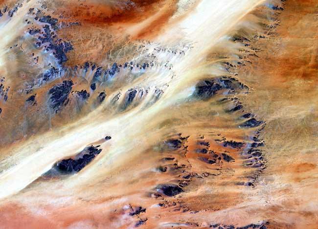 Oasis de Terkezi dans le désert du Sahara