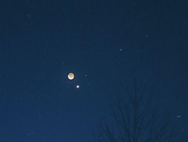 Lune, Mars, Vénus et Spica