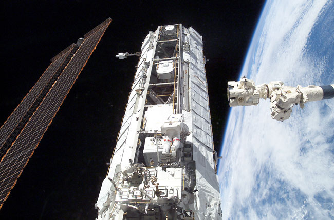 Plein feu sur la poutre de l\'ISS