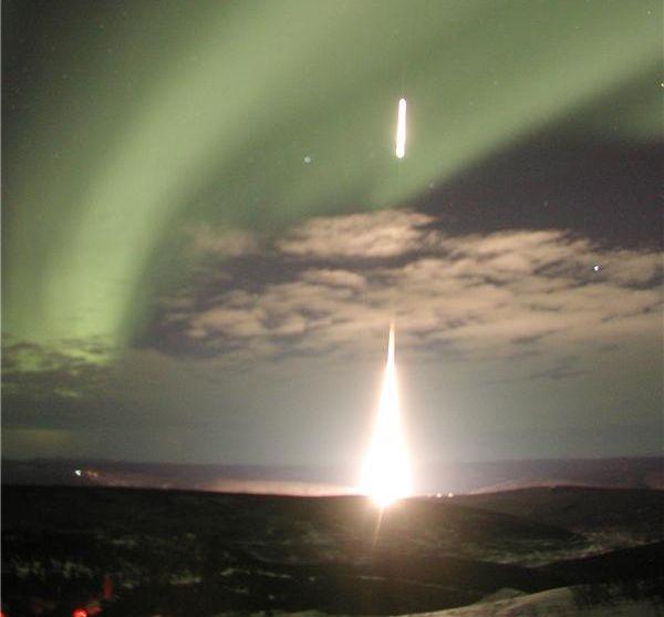 Lancement de fusée aurorale