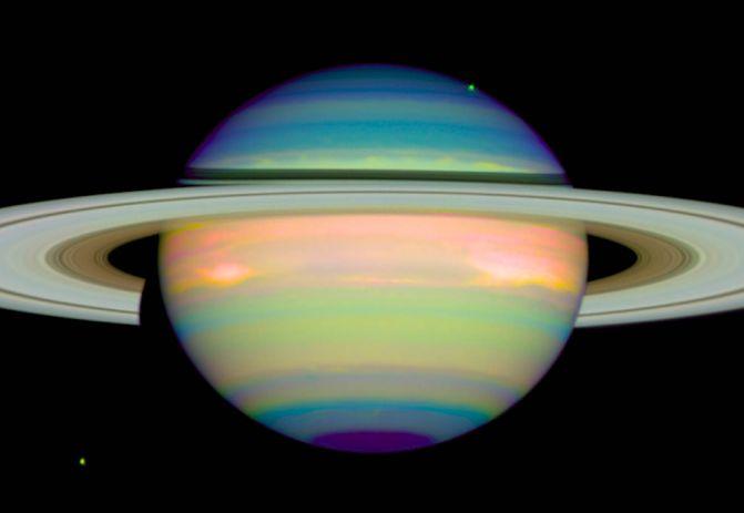 Saturne en infrarouge