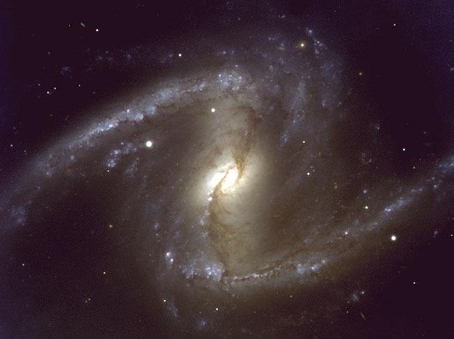 NGC1365: Une galaxie spirale barrée proche