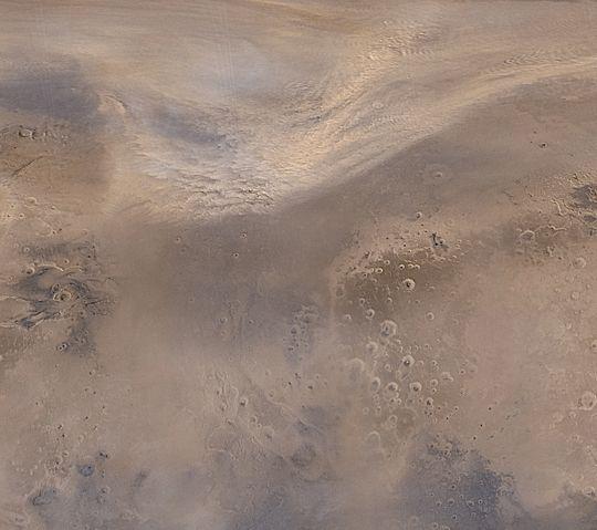Tempête de poussière au-dessus de l\'hémisphère nord de Mars