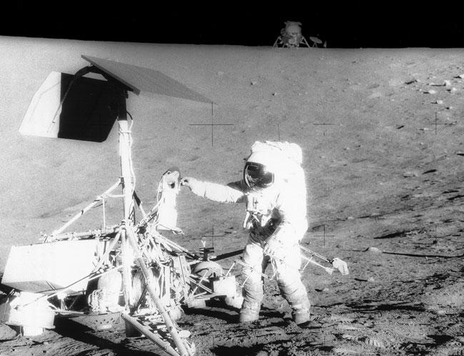 Apollo 12 rend visite à Surveyor3