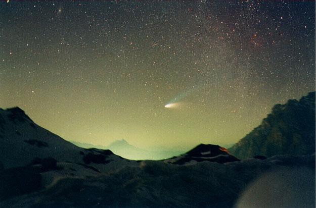La Comète Hale-Bopp au-dessus du col de Val Parola