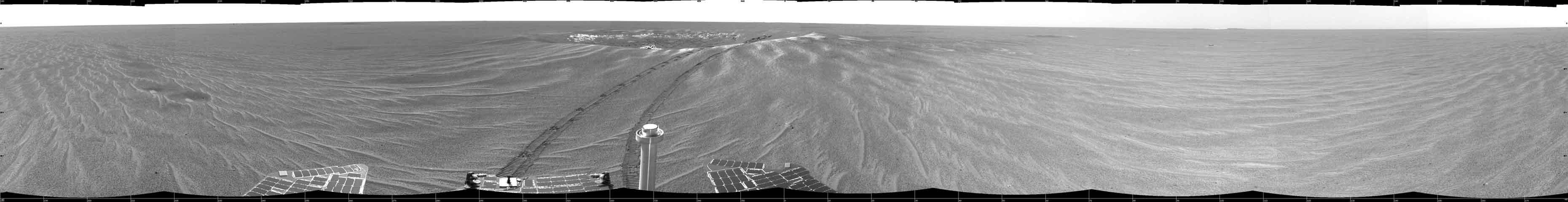 D\'étranges dépressions près du cratère Eagle sur Mars