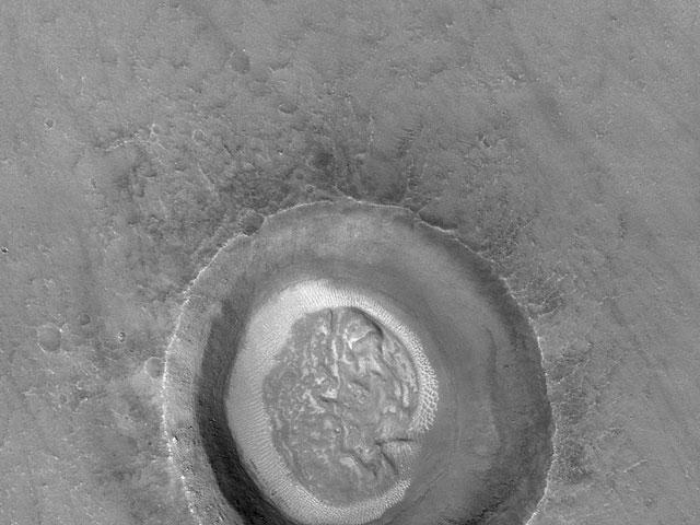 Le cratère cerveau de Mars