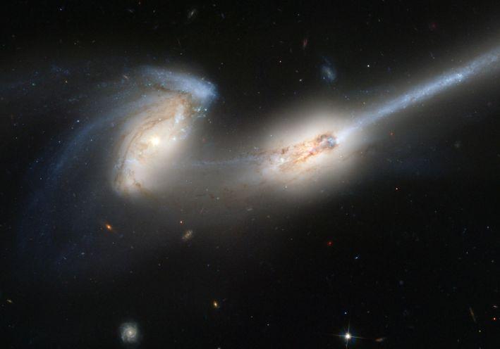 NGC4676: quand des souris se percutent